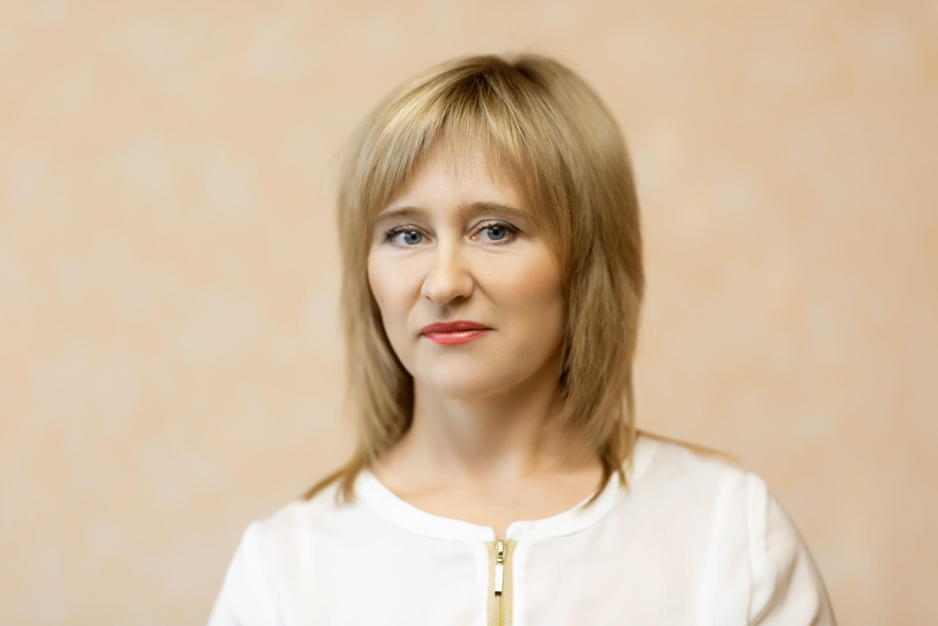 Кинжалова Юлия специалист по бухгалтерскому учету,  стаж 20 лет