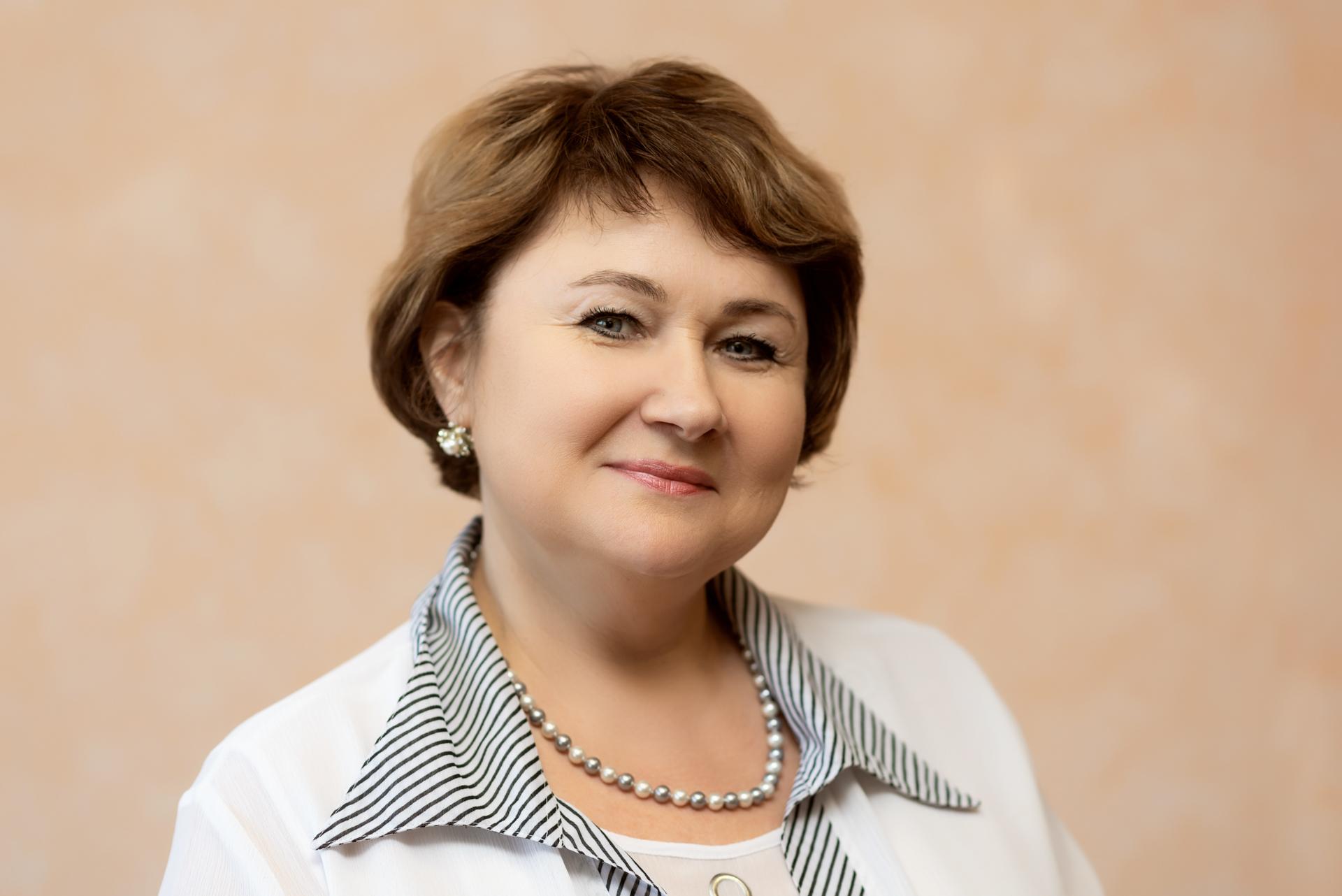 Кудрявцева Анжелика специалист по бухгалтерскому учету, стаж 32 года