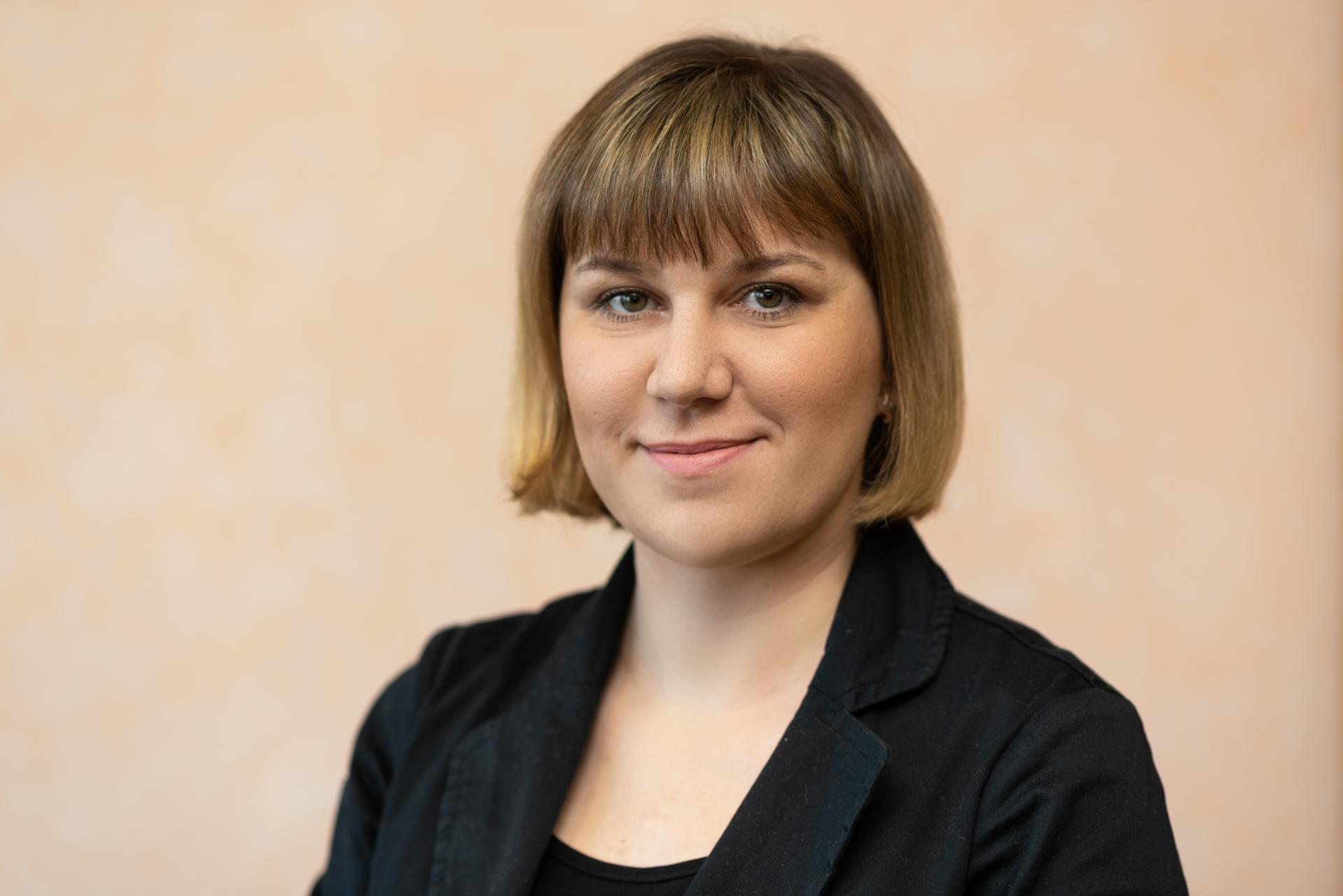 Симонова Олеся бухгалтер, стаж 12 лет
